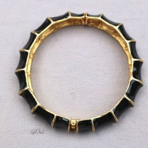 Vintage Black and Gold  Snap Bracelet Jewelry